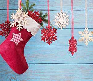 Lägg dina julklappar i fina julstrumpor